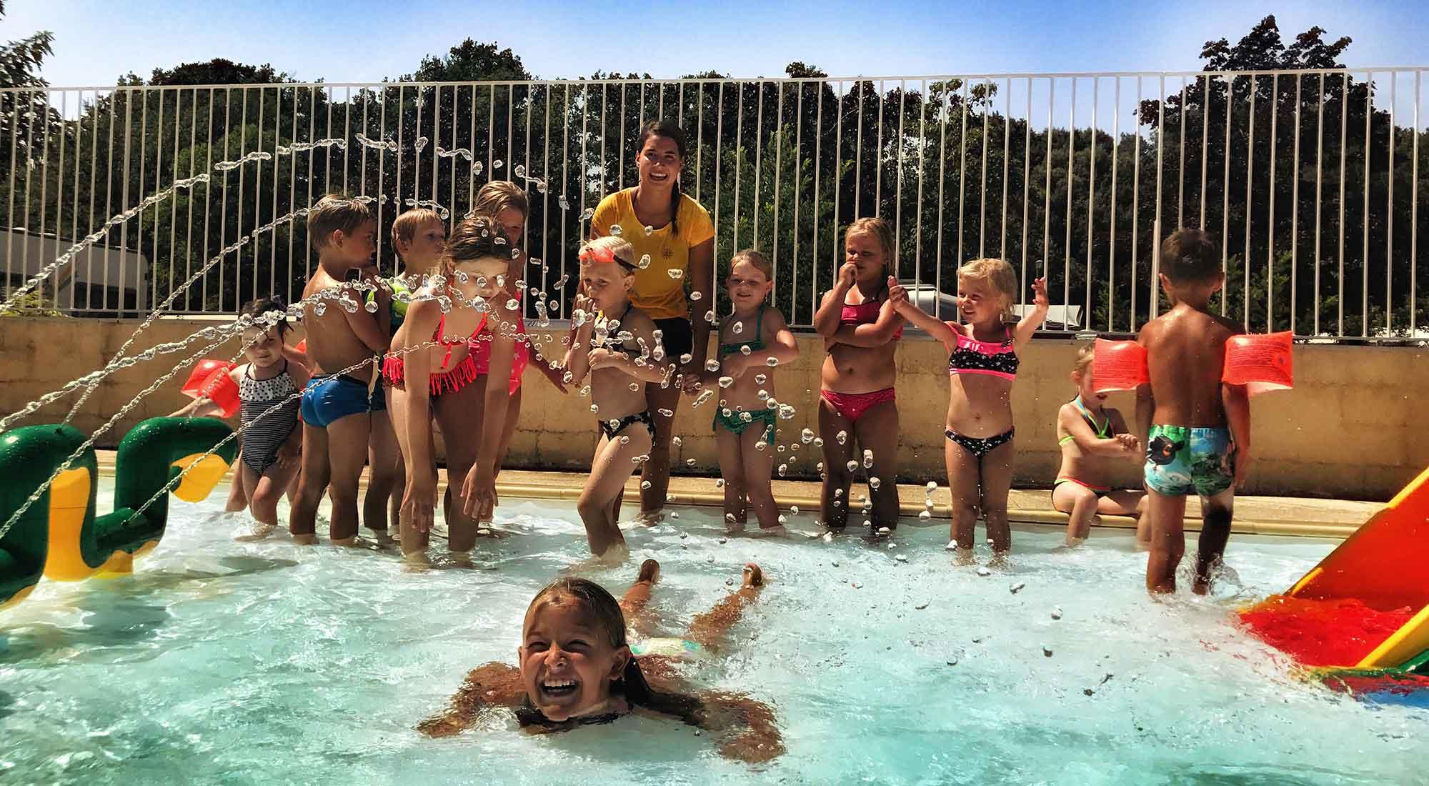 fun-zwembad-kinderen-camping-la-garenne